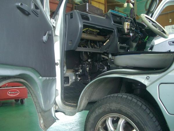 スバル サンバートラック(TT2)エアコン修理